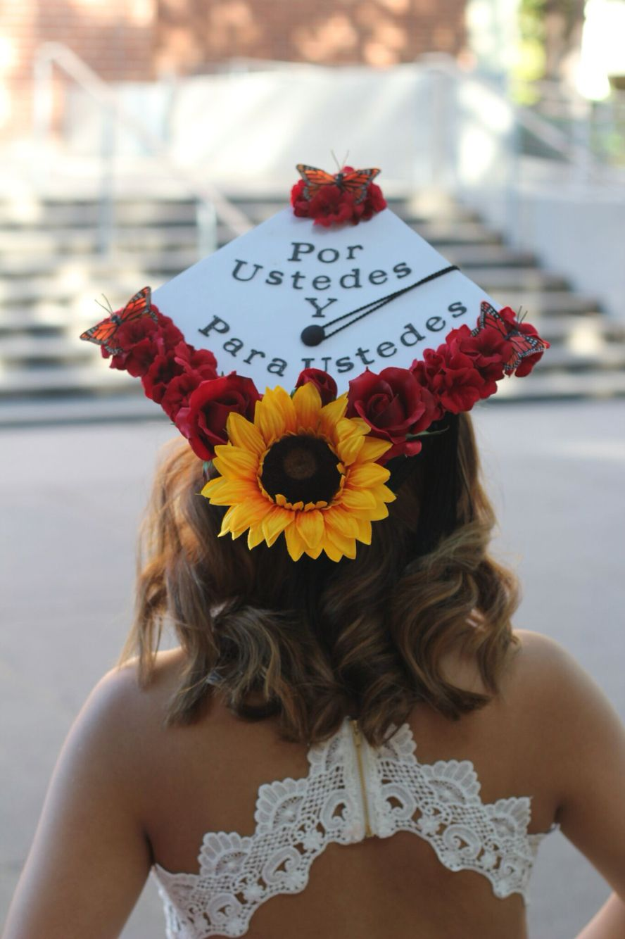 Pin By Maria Baltazar On Cap And Gown Ideas College