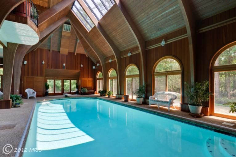 Vente superbe propriété 10 pièces avec piscine couverte, four à pain - location chalet avec piscine interieure