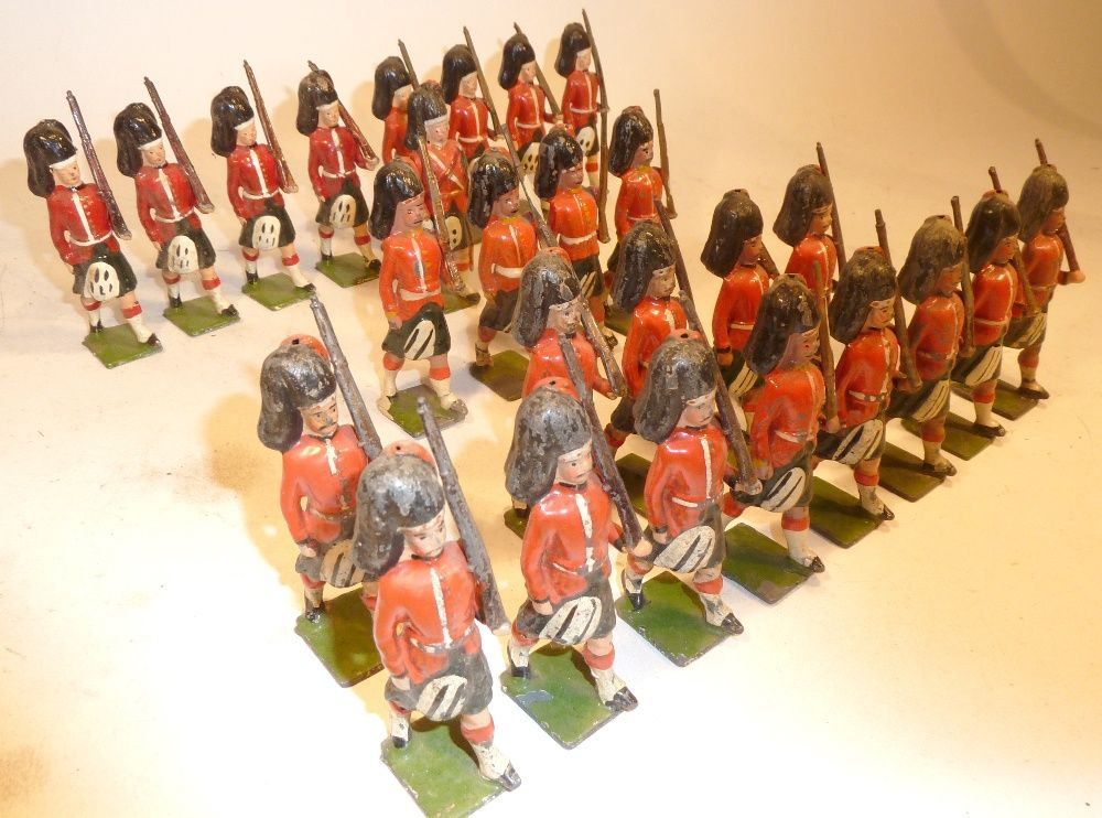 Lot 104 Britains RARE Black Watch at the slope from Parade