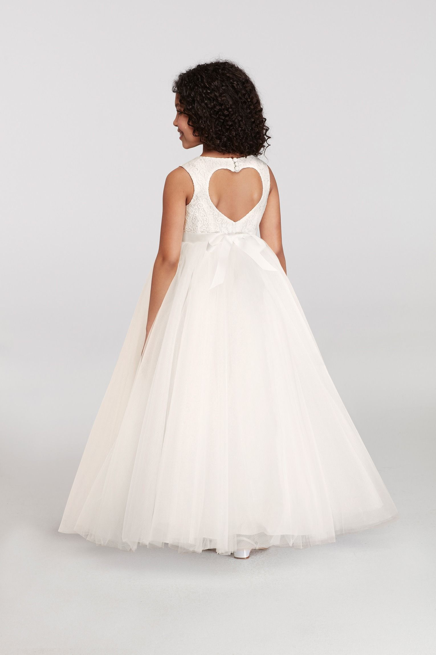 This sweet heart cut out on this flower girl dress is adorable this sweet heart cut out on this flower girl dress is adorable izmirmasajfo