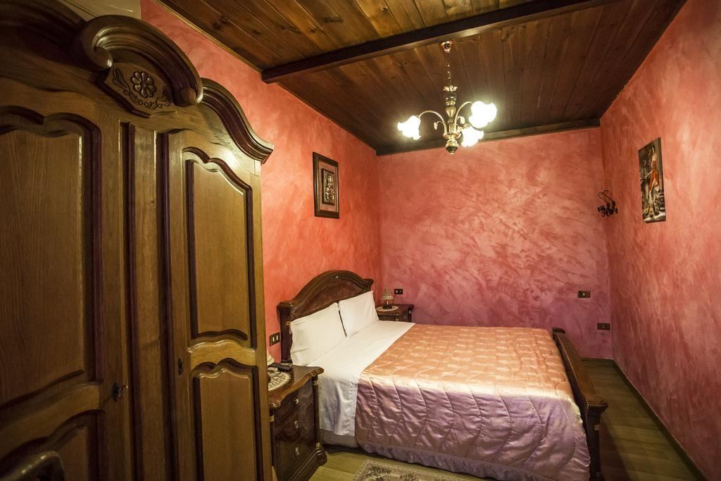 Soggiorno relax e benessere in Umbria: Piscina Panoramica ...