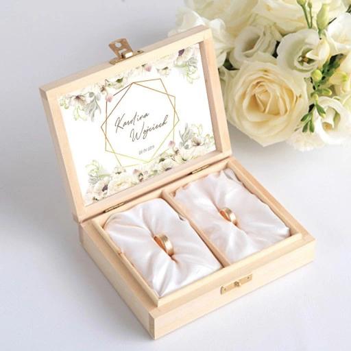Pudelko Na Obraczki Drewniane Mr Mrs Imiona Wedding Ring Box Wedding Decorations Wedding Couple Poses