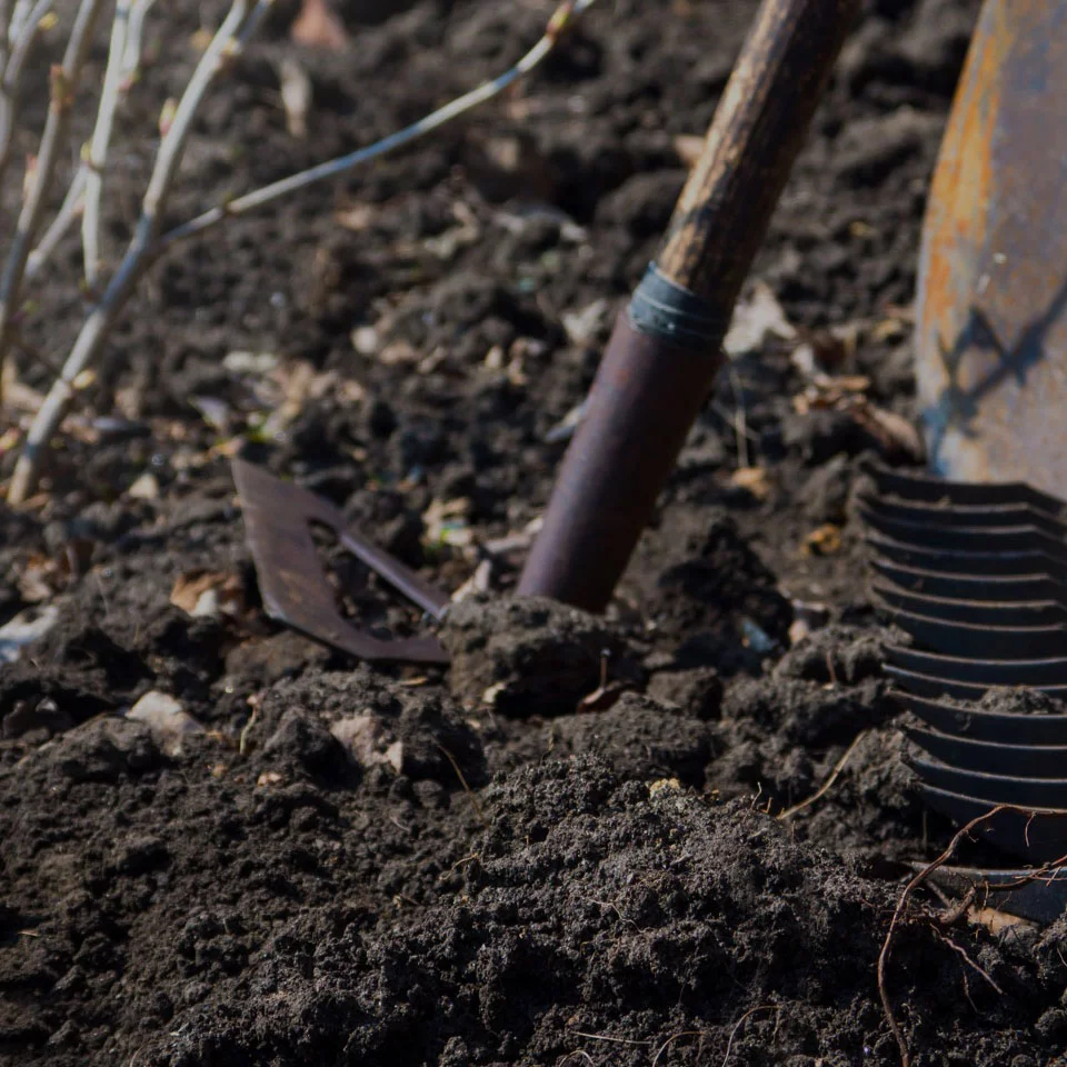 The Best Soil Mix for Raised Bed Gardens w/ Recipe