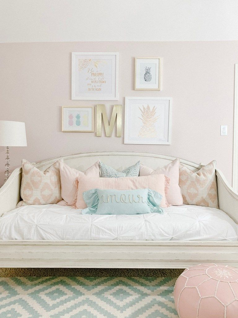 Pillow Talk How To Style A Daybed Girls Daybed Room Girls Bedroom Daybed Daybed Room