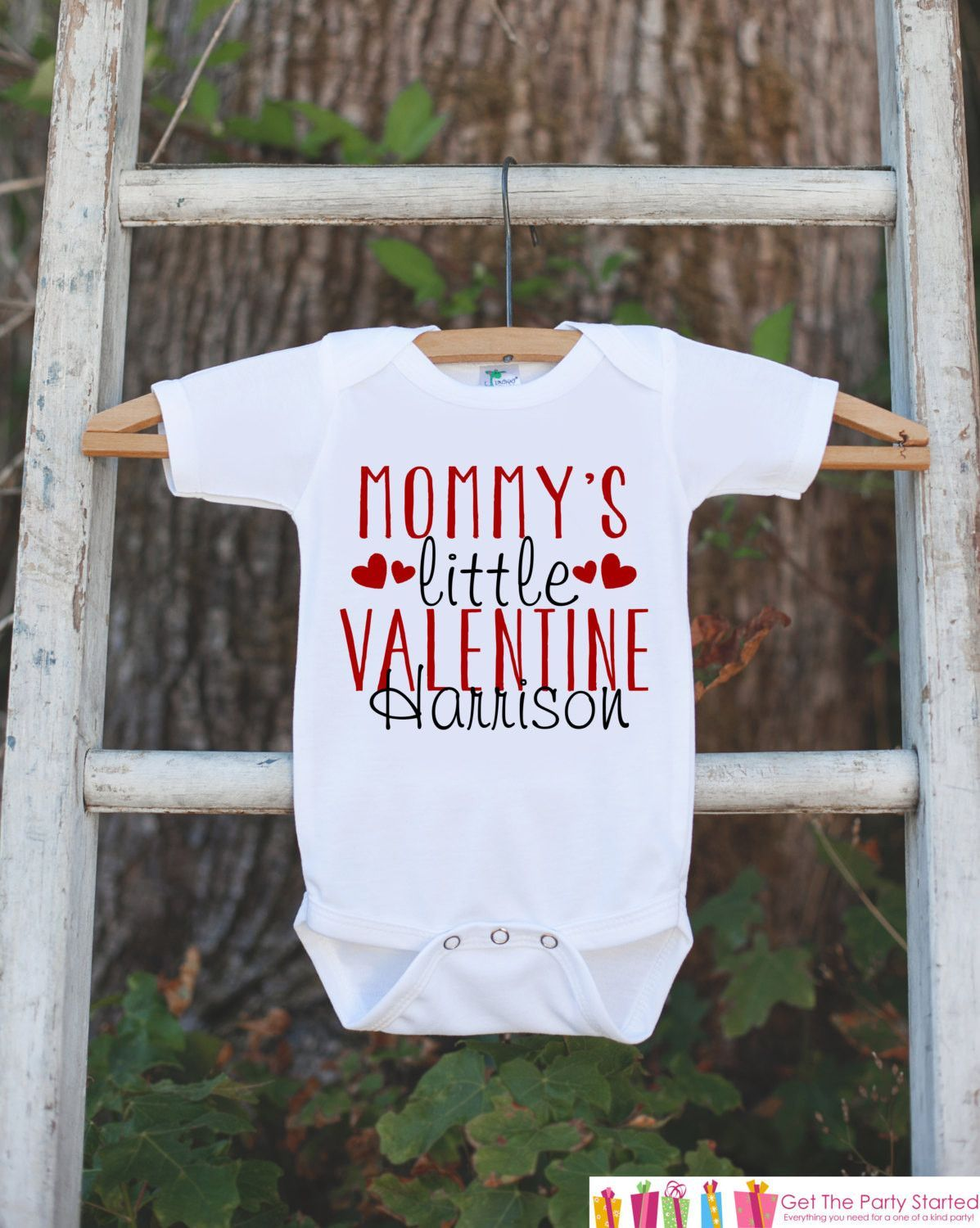 e89fed887b14 Kids Valentines Day Outfit - Mommy's Little Valentine Onepiece - Novelty  Valentine Shirt for Baby Girls or Boys - Mommy's Valentine Outfit