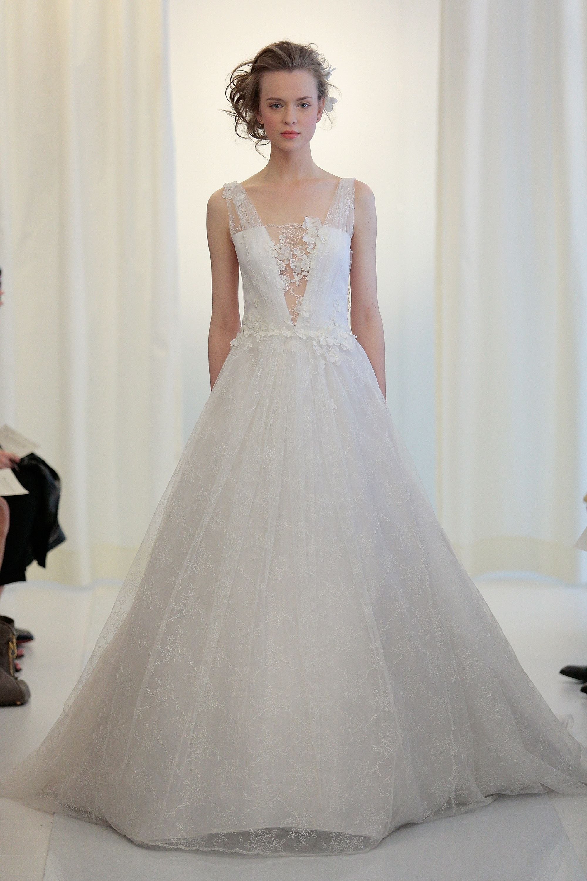 7 Fall 2020 Bridal Fashion Trends Hot Off the Runways