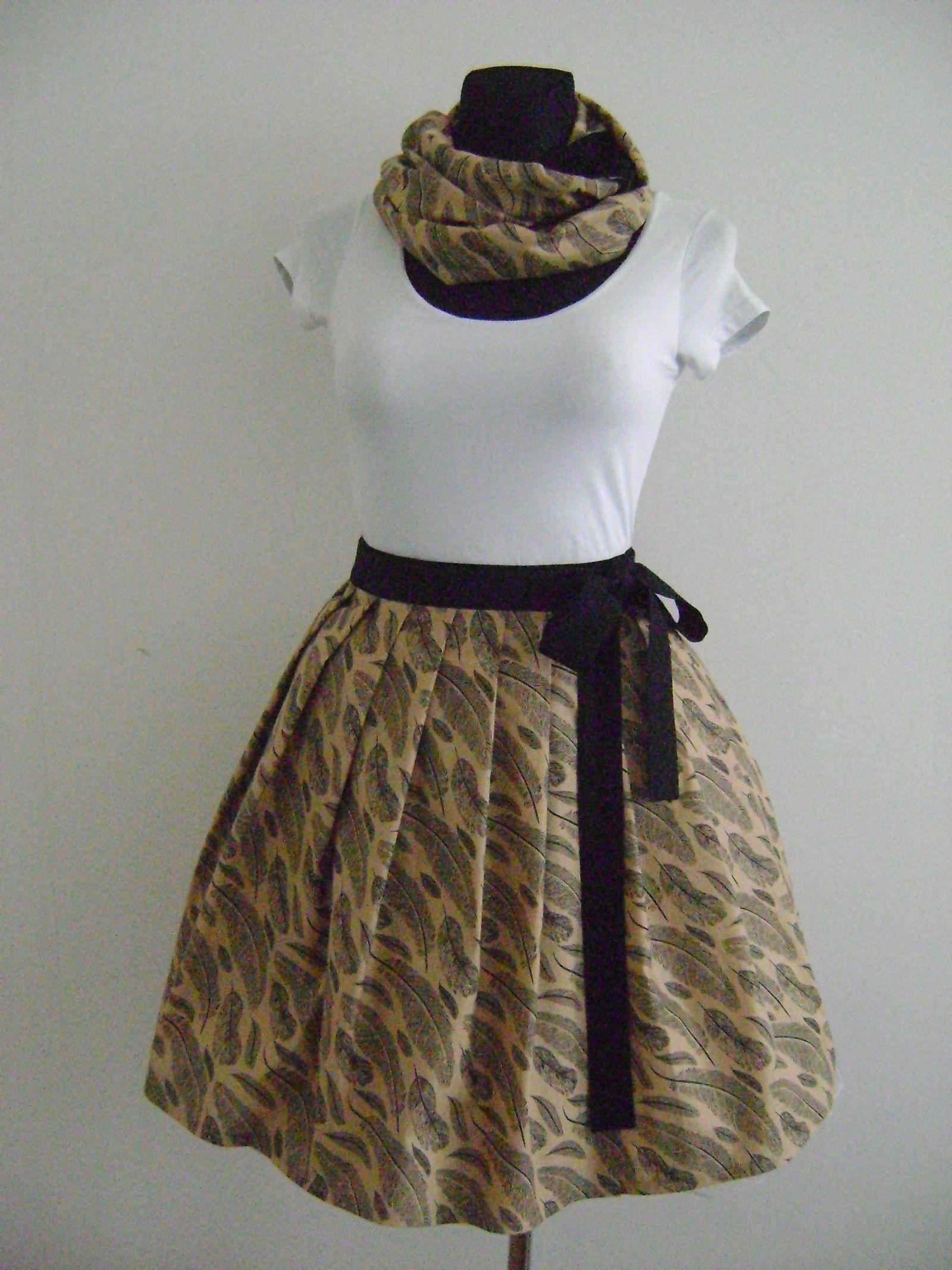 397422376e5 Zavinovací+sukně+128+Zavinovací+skládaná sukně +je+v+pase+všitá+do+pásku+zakončeného+vázačkami+Sukně+je+ušitá+z ...