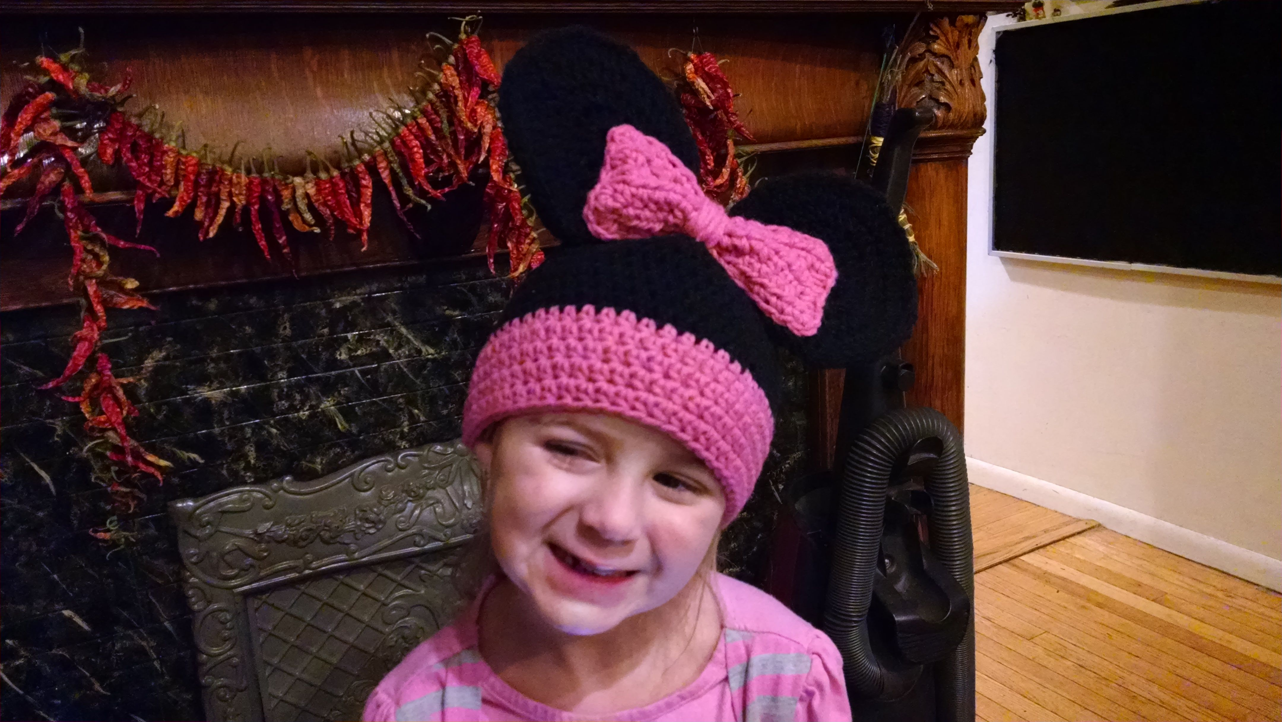 Minnie hat ( no buttons )