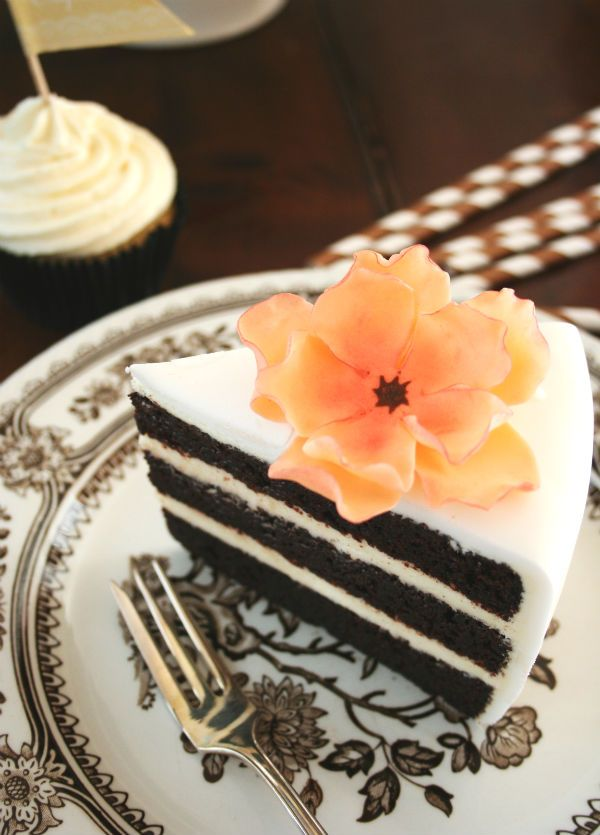 Chocolate cream cheese cake by Painted By Cakes
