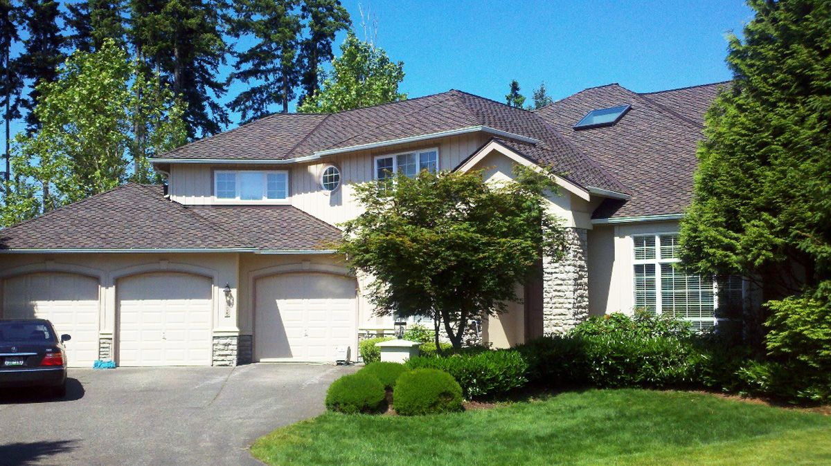 Seattle Roof Replacement Roof Shingles Roofing Roofing Companies House Styles