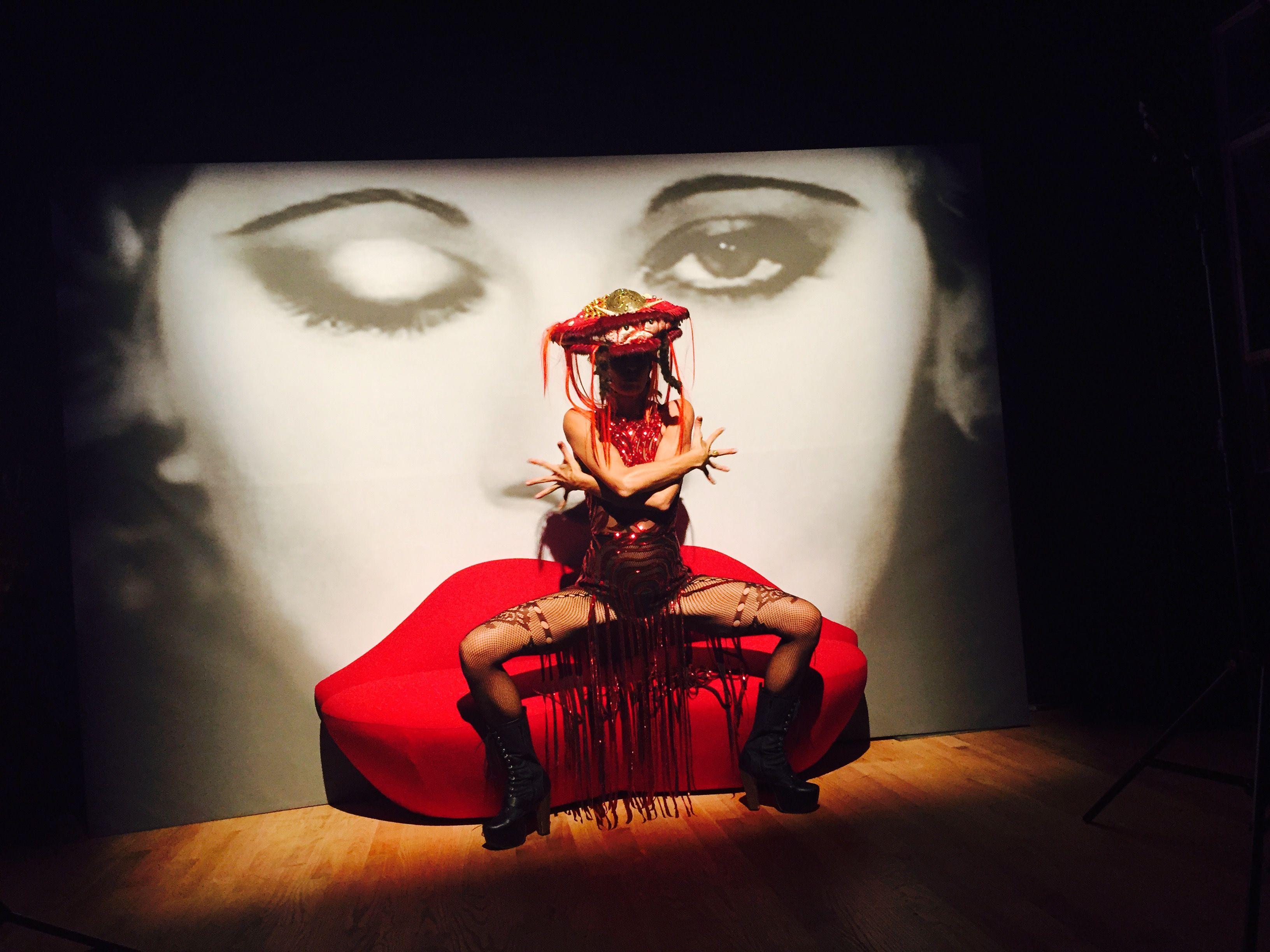 #surrealism #salvadordali #lobster #schiaparelli #costume #headpiece #circus #ambiance #lucentdossier #lucentdossierexperience #evententertainment