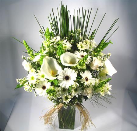 Resultado De Imagem Para Arranjo De Flores Copo De Leite E