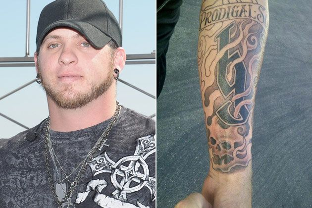 Brantley gilbert gets new tattoo country music news for Country music tattoos