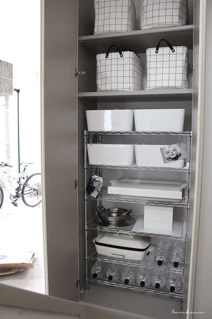 キッチンに欲しいもの それは パントリー 皆さんの素敵な収納術とdiyアイディア集 収納 パントリー 収納棚 スチールラック キッチン