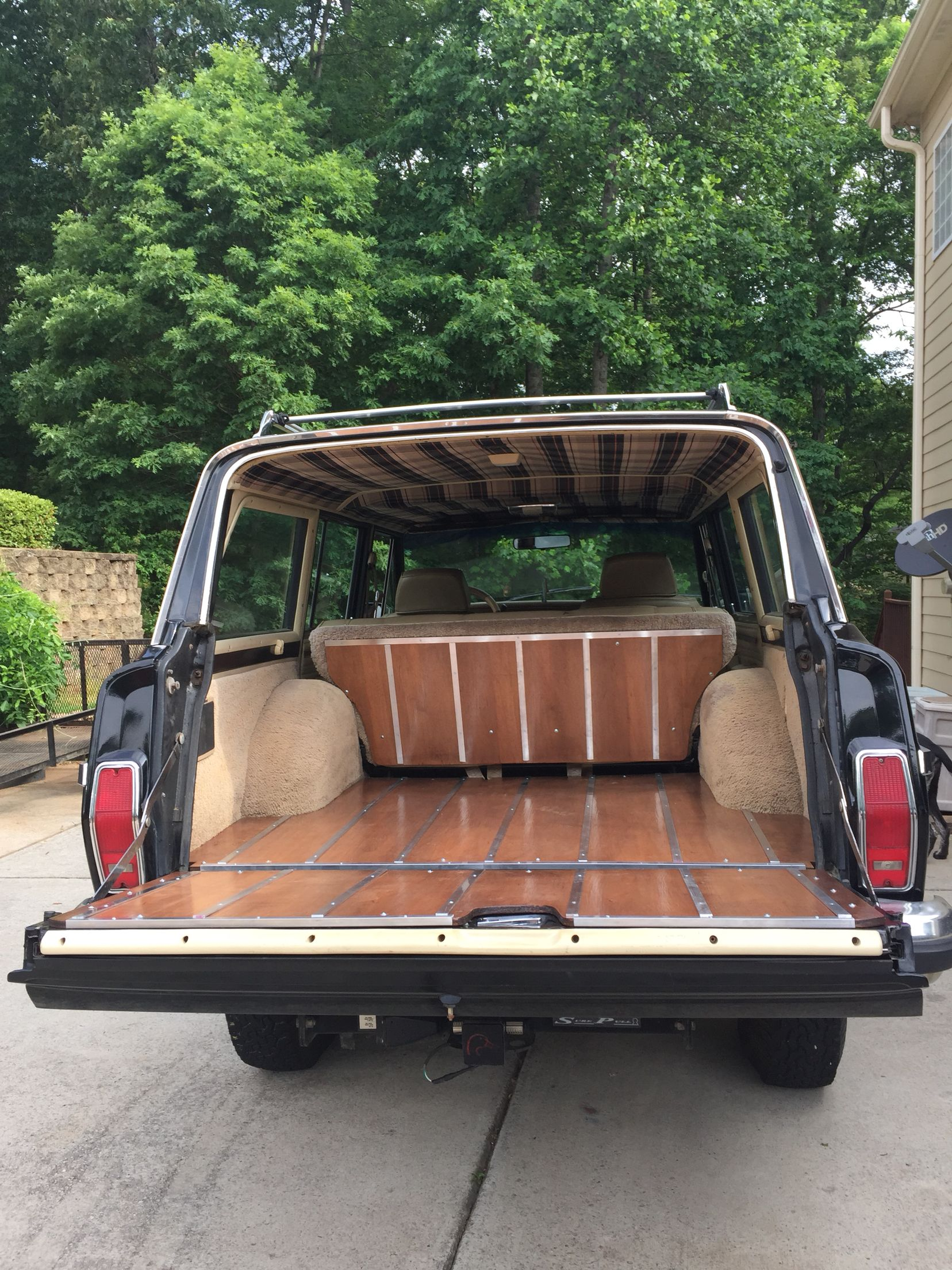 Vintage Wood Paneling: Grand Wagoneer Wood Tailgate