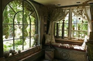 I am also obsessed with windowseats. If I don't get one..... Who am I kidding? I'm getting one. =]