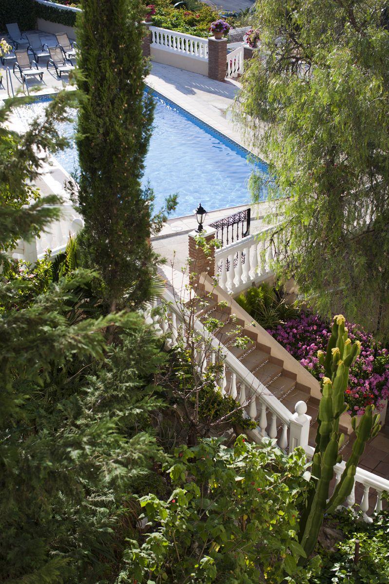 Gardens and swimming pool instalaciones spanish - Swimming pool in spanish language ...