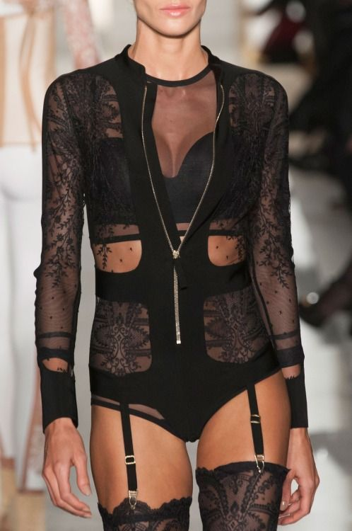 d7865c581f whore-for-couture vogue-is-viral  La Perla Spring 2015 Haute Couture blog  )