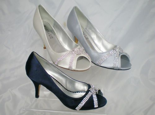 NEW Ladies Low Heel Satin Wedding Bridesmaid Court Shoes Ivory Silver Navy Size