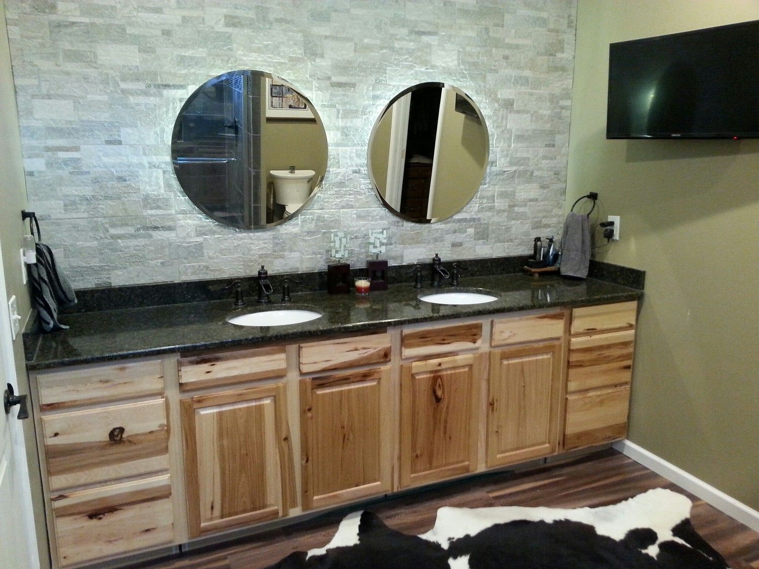 Master bath with rustic hickory cabinets and uba tuba for Master bathroom granite