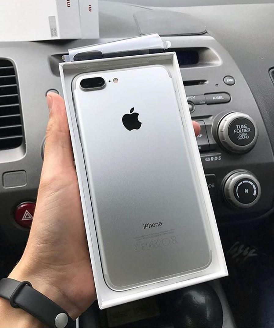 Iphone 7 Silver By Goprorostov Iphone Silver Iphone 7 Plus Iphone 7 Plus Colors