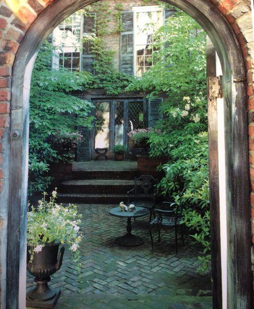 rickinmar:   a classic Beacon Hill garden…