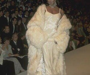 Image about fashion in iconic by naomiiiiiii on We