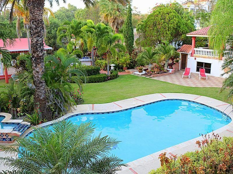 Extraordinary Property Of The Day West Coast Bed Breakfast Villa Ensenada In Rincon Puerto Rico Prsir Rincon Puertorico Realestate Jardim Horta