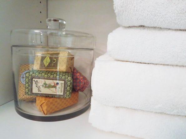 My Organized Linen Closet + A HomeGoods Gift Card Giveaway