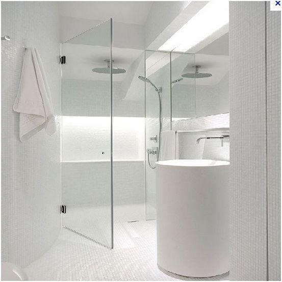 deux salles de bain à refaire, en mosaïque blanche, HELP please