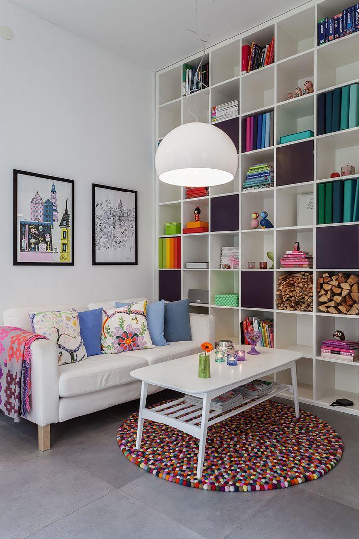 touches color es dans un duplex tout blanc d coration color e pinterest salon. Black Bedroom Furniture Sets. Home Design Ideas