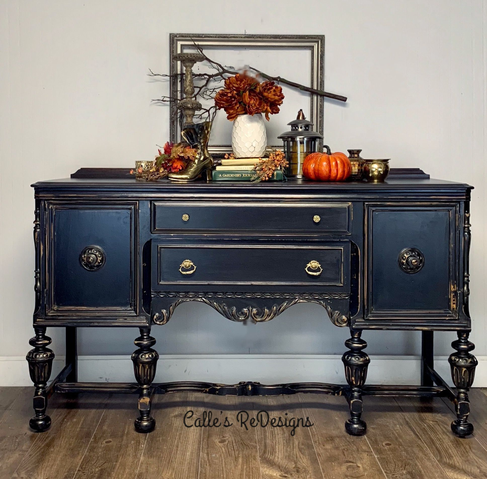 Painted in the perfect Black with Wise Owl Paints by Calle