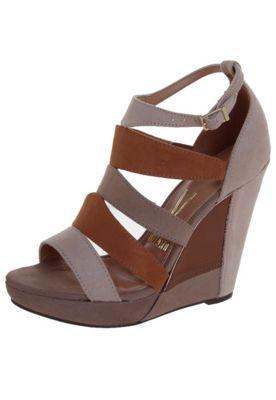 5a3c7b2e3 Sandália Vizzano Anabela Tiras Bege   Sapatos lindos   Shoes e Wedges
