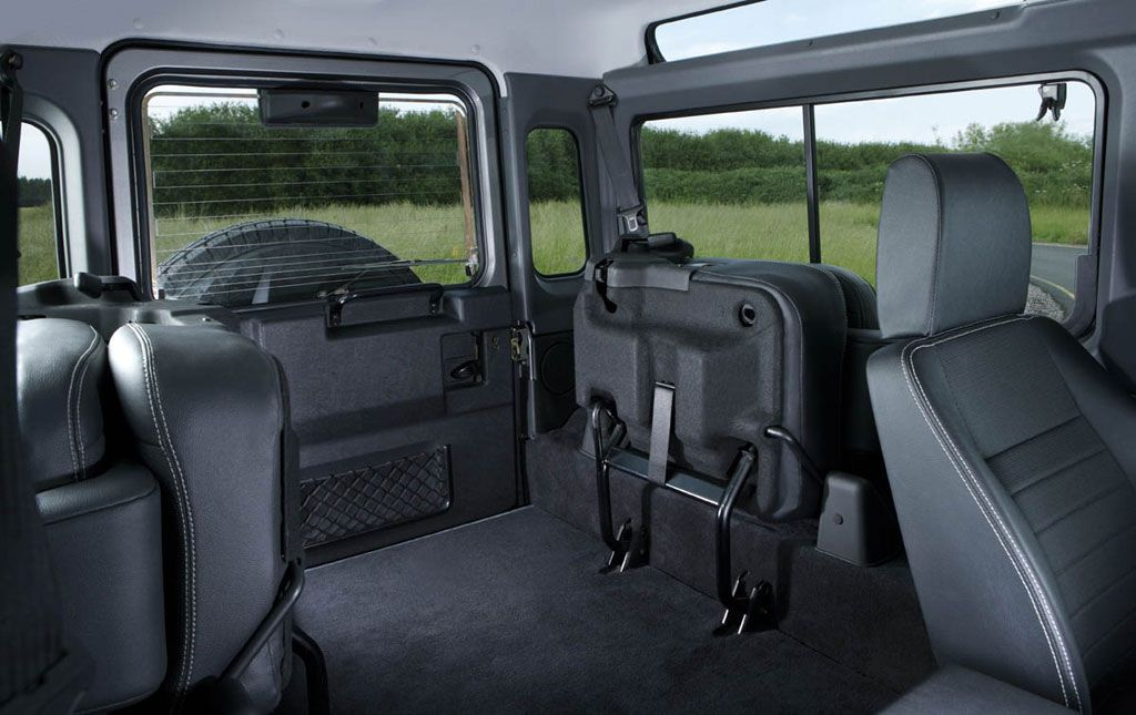 Land Rover Defender Interior Trim >> Reupholstering The Carpets And Headlining Iron Beauty S