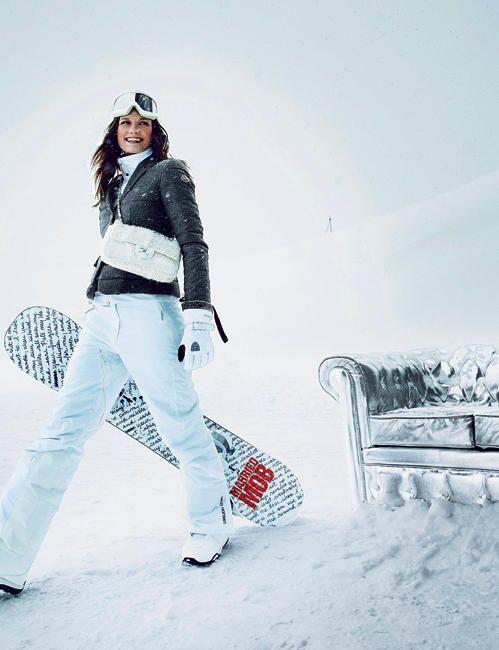5b03e204c8 diaporama photo - Chanel Winter Chic