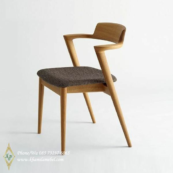 Kursi Cafe Kursi Classik Eropa Quality  Khamila Mebel is part of Upholstered chairs - Kursi Cafe Kursi Classik Eropa Quality dengan paduan interior ala Eropa dan  Bahan Baku Kayu Jati  harga lebih murah  langsung pengrajin lokal jepara  murah