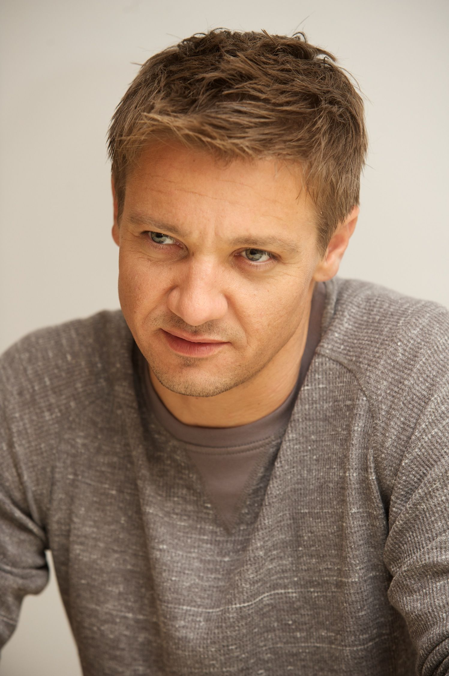Van Sant = jeremey renner | Jeremy Renner (more of him in book three!)