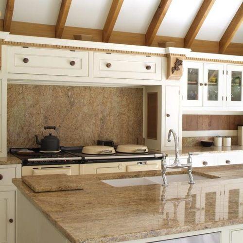 Dise o de cocina comedor de galera r stica grande con - Encimeras de marmol para cocinas ...