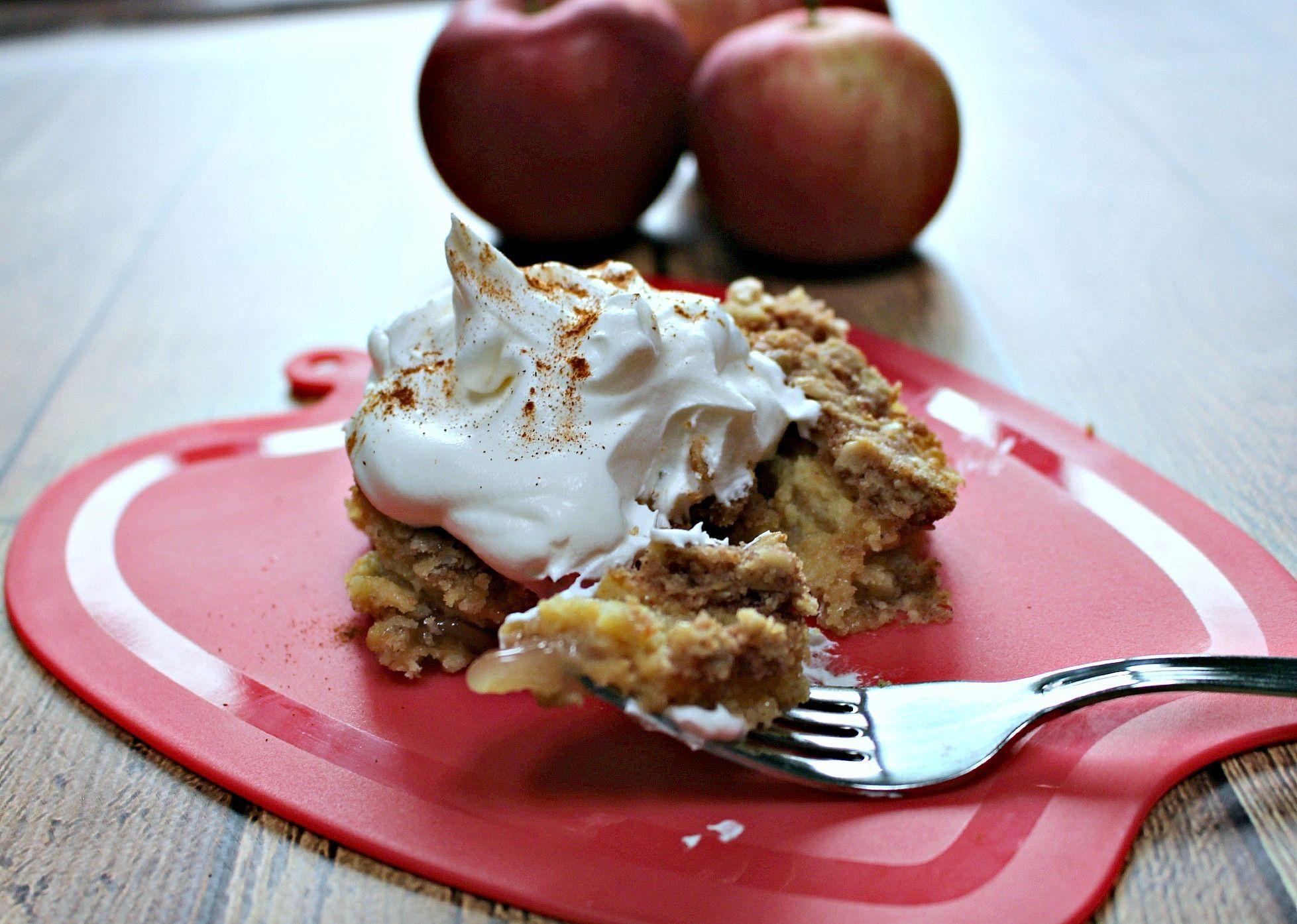 Pantry Apple Crumble Cake -  Skinnysweetsdaily