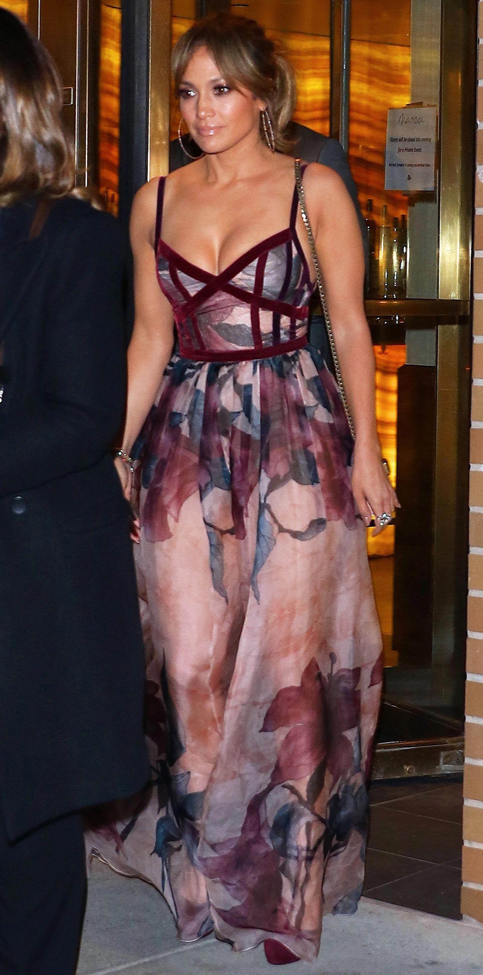 Jennifer Lopez S Amazing Street Style Womensstyle