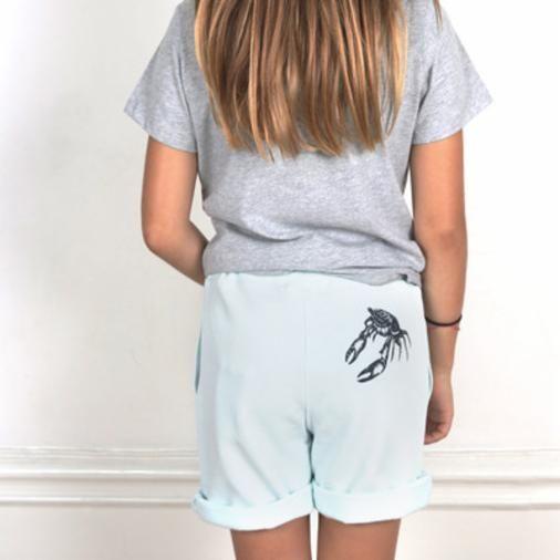 Die kuschligen Shorts von One We Like aus Schweden sind aus organischer Baumwolle. Gesehen bei Perle Store in Hamburg. Gefunden über die Findeling App.