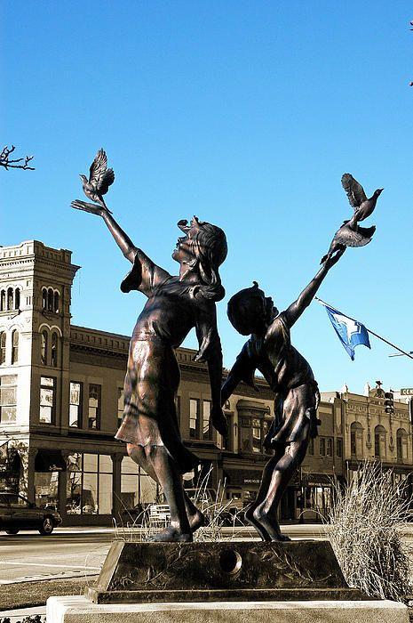 Children Statue in Provo Utah