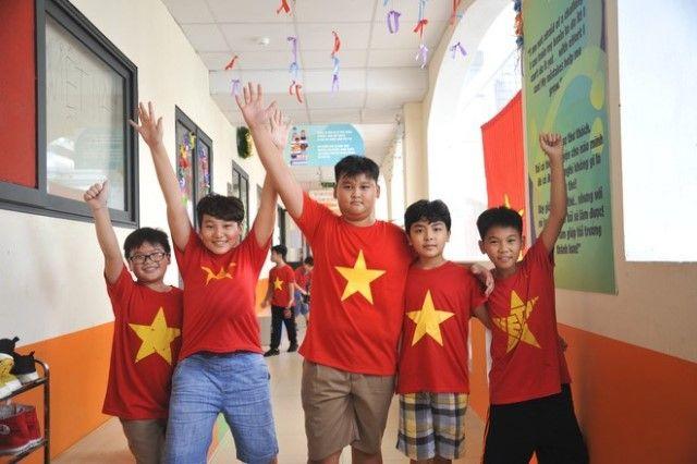 Áo cờ đỏ sao vàng trường Tiểu học - THCS FPT - Hình 3