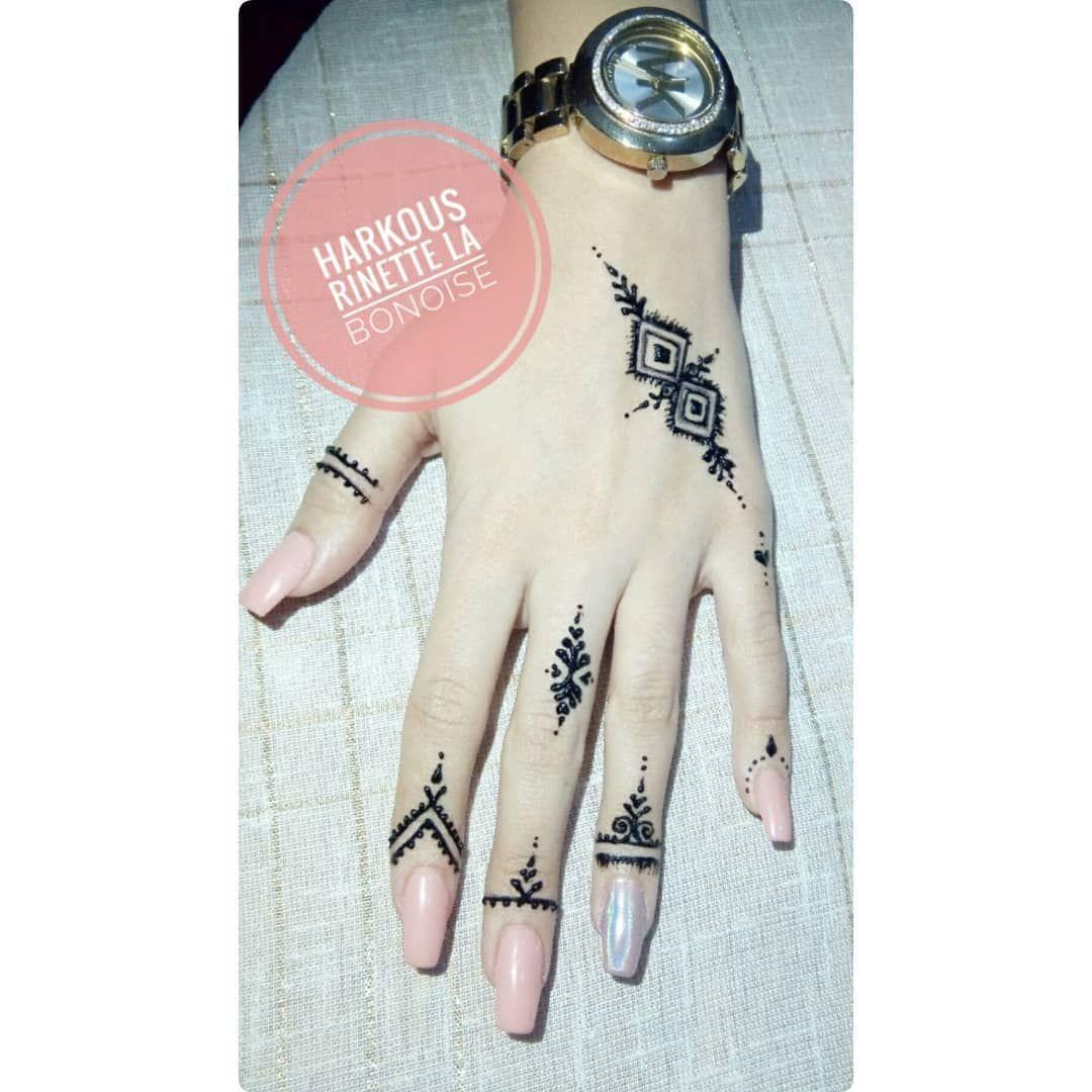 Pin By Yomna Samy On Henna Henna Tattoo Designs Simple Simple Henna Tattoo Henna Tattoo Designs