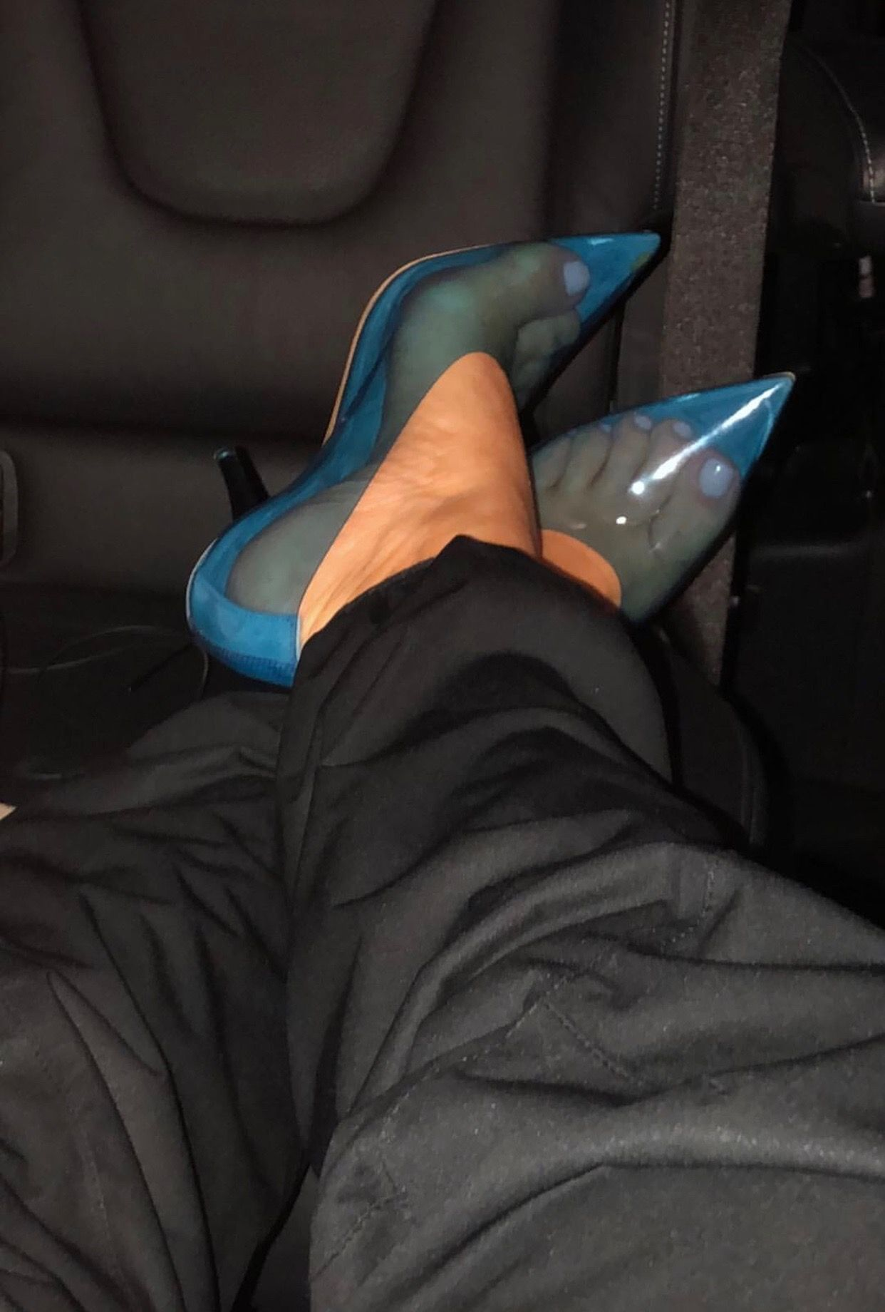 1e4c3c039 Kim Kardashian in yeezy season 7 blue Perspex heels