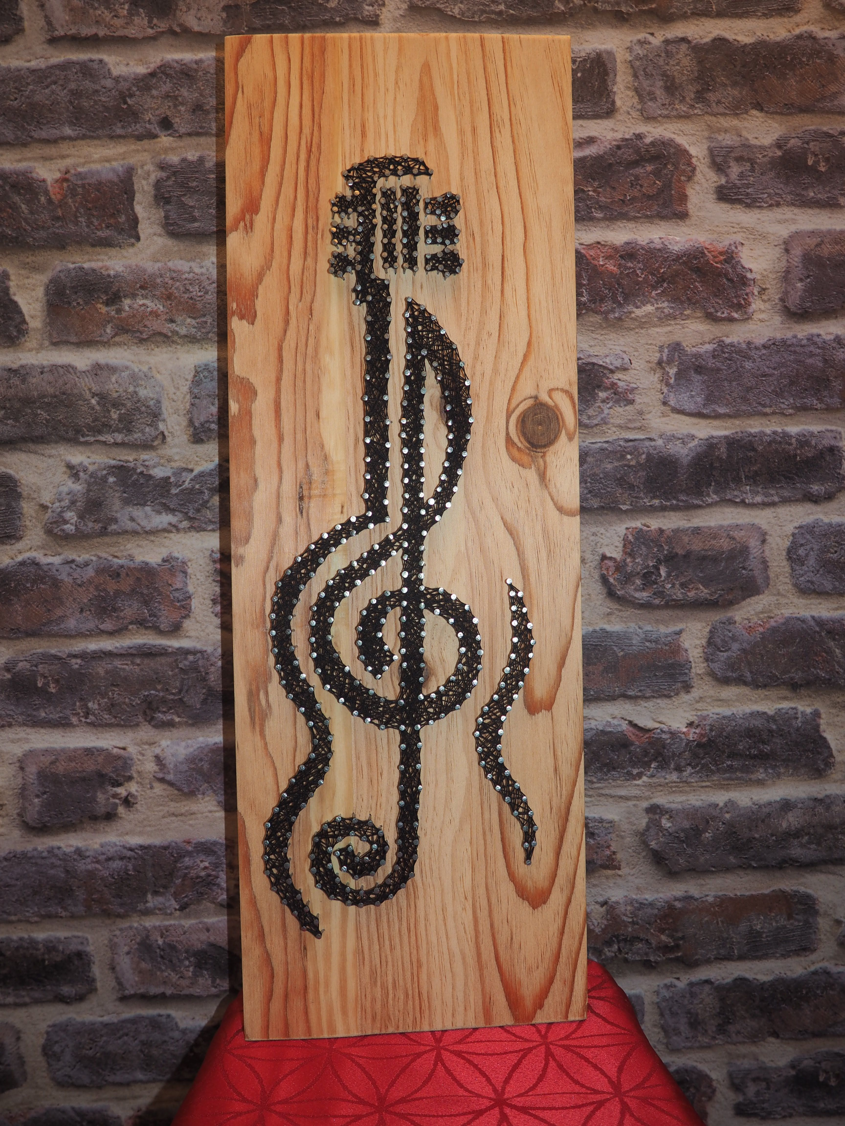 Pin de Peggy Burhans en String art | Pinterest | Hilo, Detalles para ...