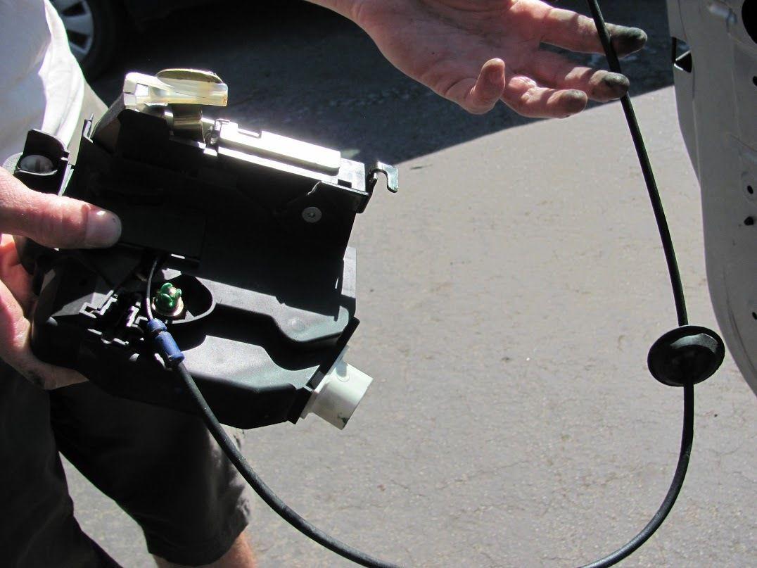 2001-2006 Mini Cooper Lock Actuator Replacement (2001, 2002 ... on