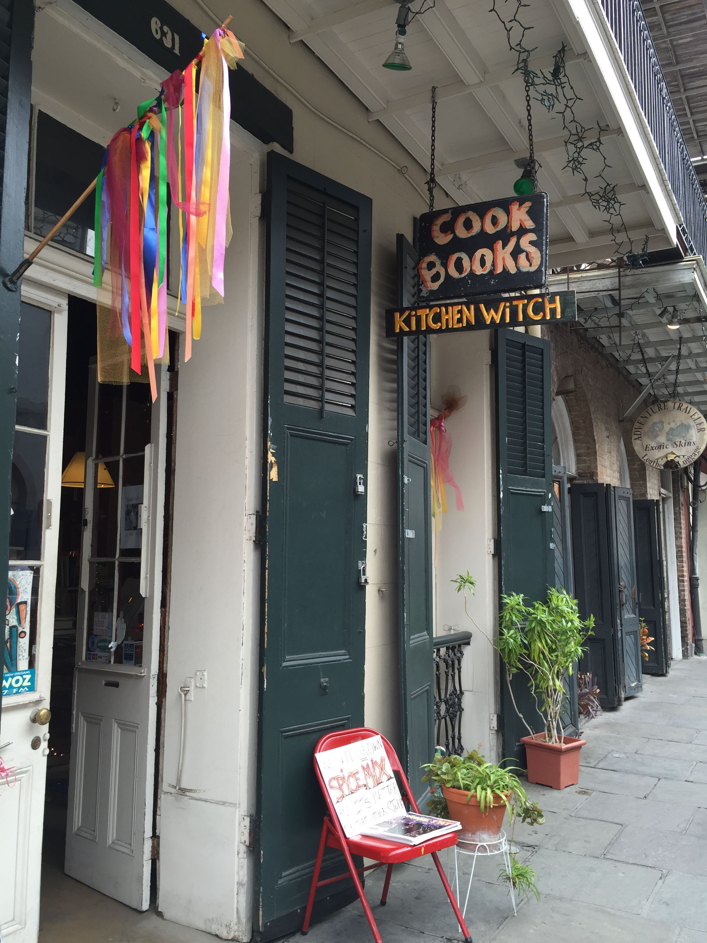 The Kitchen Witch, New Orleans, Louisiana   Secondhand Cookbooks And Local  Flavor