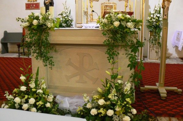 Bukiety Z Anturium Do Kosciola Szukaj W Google Church Flower Arrangements Church Decor Altar Arrangement