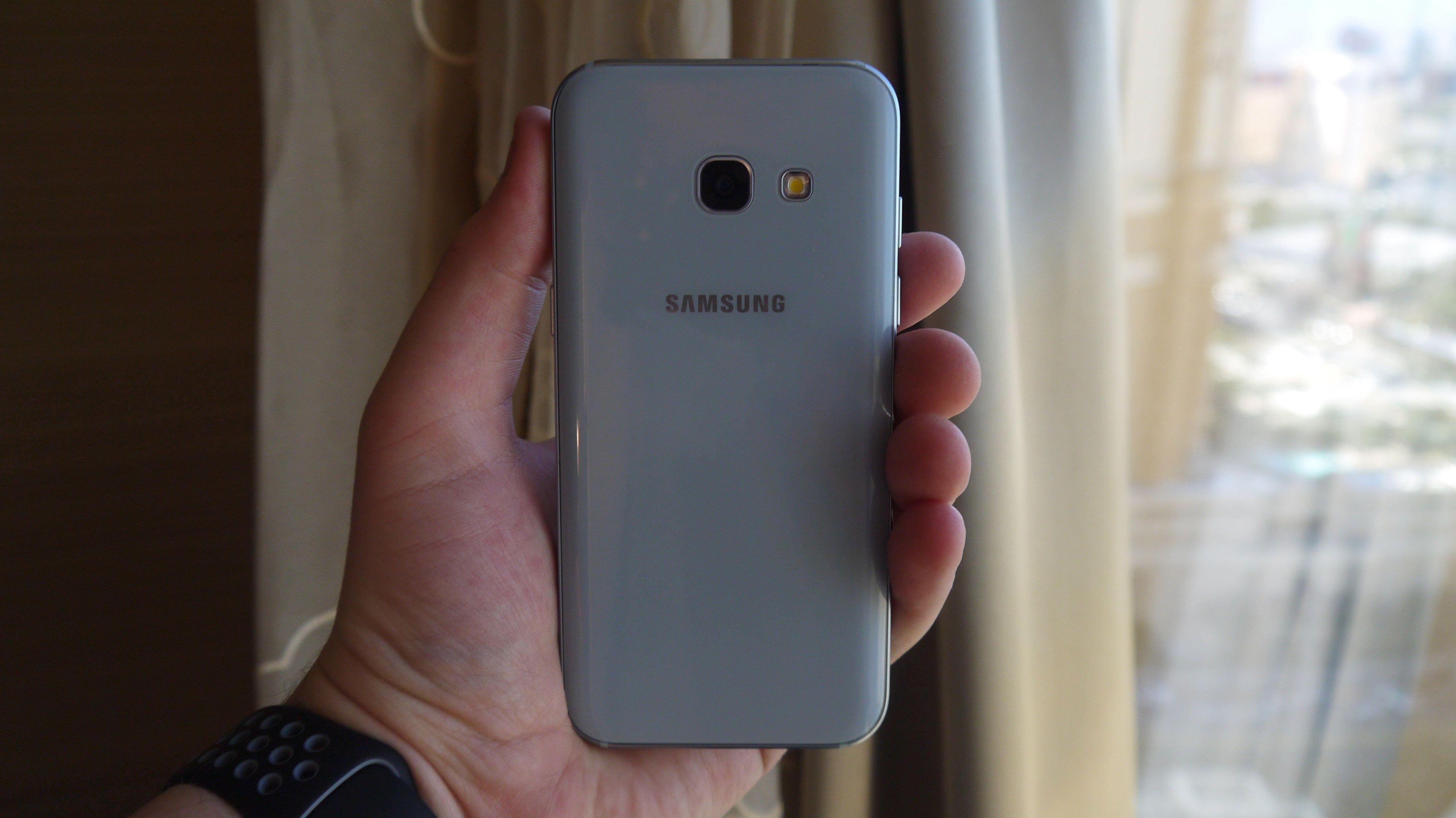 Samsung Galaxy A3 2017 Samsung has given its midrange